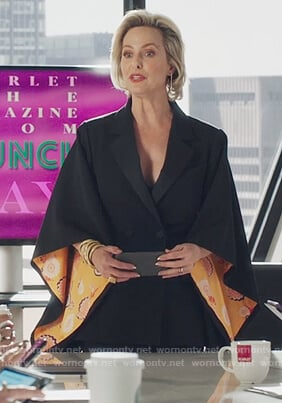 Jacqueline's black kimono jacket on The Bold Type