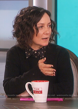 Sara's black skull print blouse on The Talk