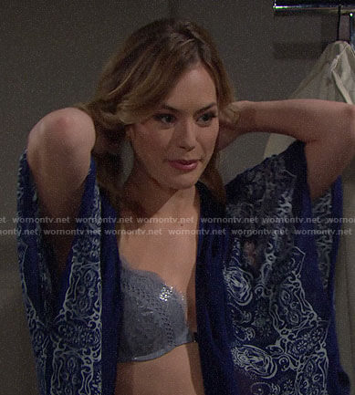 Hope's blue bra on The Bold and the Beautiful