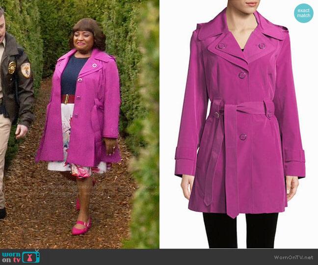 London Fog Double Lapel Rain Coat worn by Anne Flatch (Sherri Shepherd) on Trial & Error