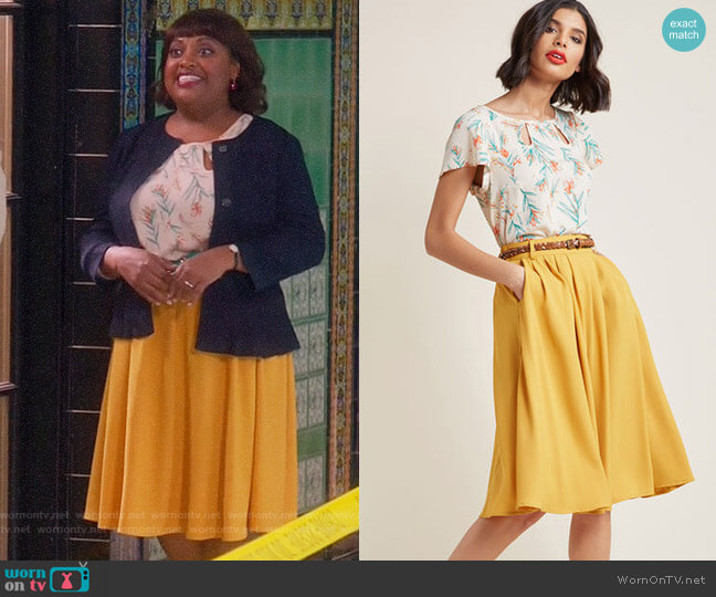 ModCloth Boardroom Brunch Keyhole Top and Breathtaking Tiger Lilies Midi Skirt in Mustard worn by Anne Flatch (Sherri Shepherd) on Trial & Error