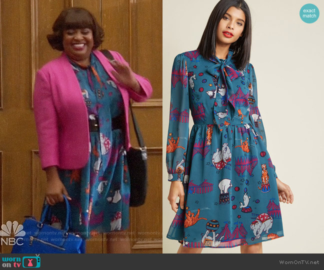 ModCloth Chiffon Tie Neck Shirt Dress worn by Anne Flatch (Sherri Shepherd) on Trial & Error
