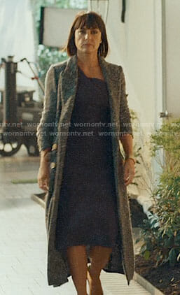 Quinn's long boucle coat on UnReal