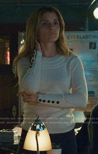 Rachel's white sweater with braided detail on UnReal