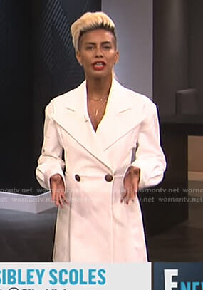 Sibley's white blazer dress on E! News