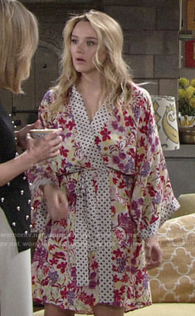 Summer's floral robe on The Young and the Restless