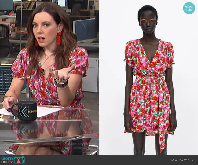 Floral Print Wrap Dress by Zara worn by Melanie Bromley  on E! News