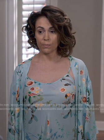 Coralee's blue floral chemise and robe on Insatiable