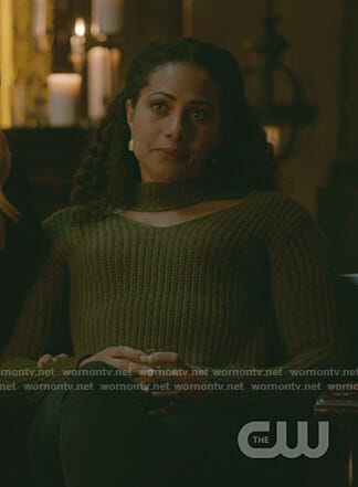 Keelin's green cutout sweater on The Originals