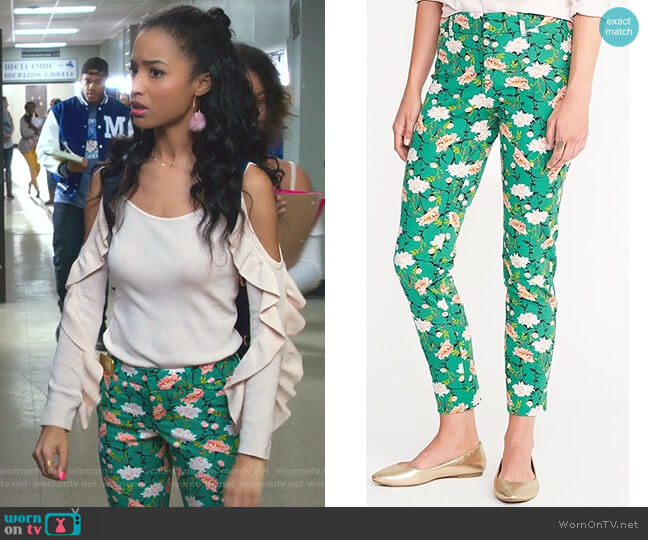 Pixie Pants by Old Navy worn by Magnolia Barnard (Erinn Westbrook) on Insatiable