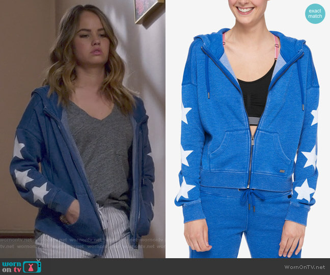 Star-Print Hoodie by Tommy Hilfiger worn by Debby Ryan on Insatiable