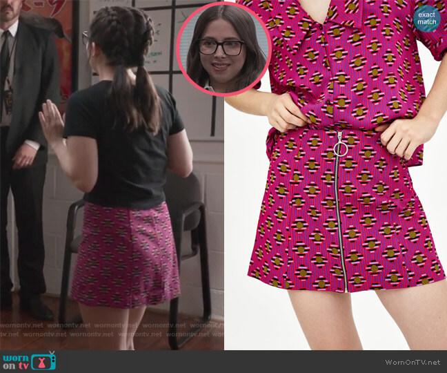 Print Mini Skirt by Zara worn by Esther Povitsky on Alone Together