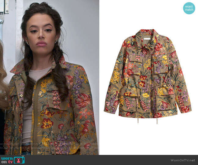 Patterned Cargo Jacket by H&M worn by Chloe Bridges on Insatiable