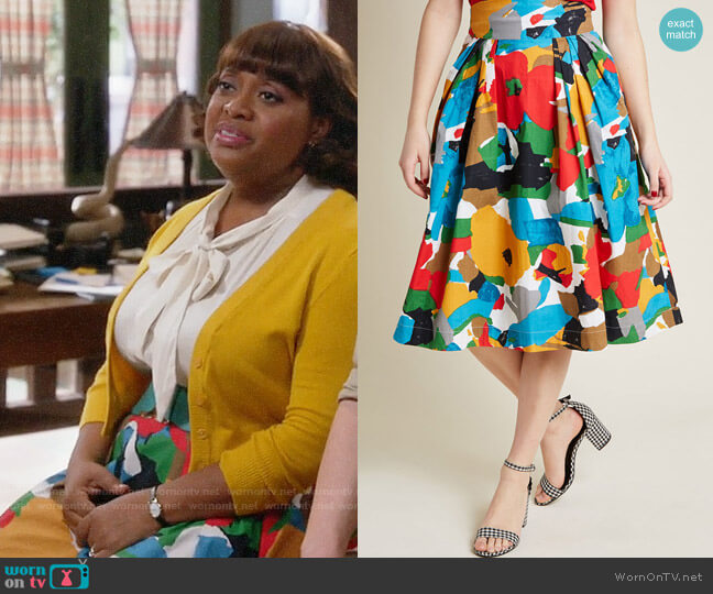 ModCloth Emily and Fin Far-Out and Fabulous Midi Skirt in Floral worn by Anne Flatch (Sherri Shepherd) on Trial & Error