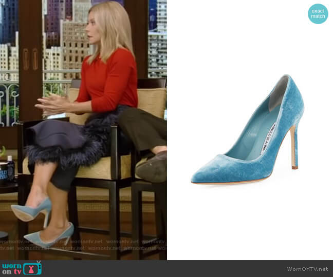 BB Velvet Point-Toe Pump by Manolo Blahnik worn by Kelly Ripa  on Live with Kelly & Ryan