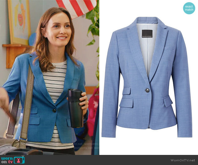 Fitted Crop Lightweight Wool Blazer by Banana Republic worn by Leighton Meester on Single Parents