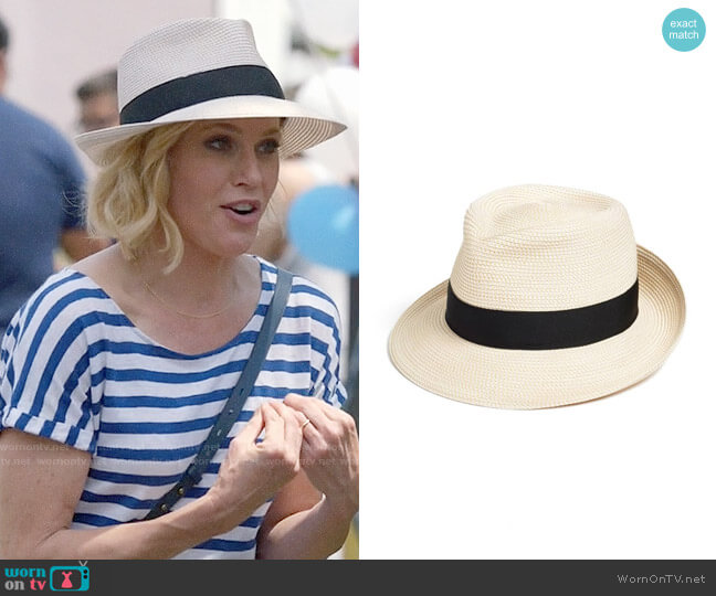 Eric Javits Classic Squishee Packable Fedora Sun Hat worn by Julie Bowen on Modern Family