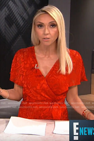 Giuliana's red short sleeve wrap dress on E! News