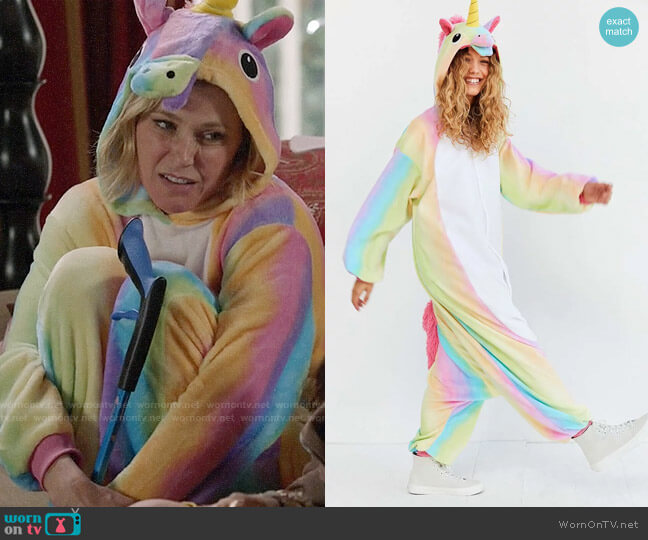 Kigurumi Dream Unicorn Costume worn by Claire Dunphy (Julie Bowen) on Modern Family