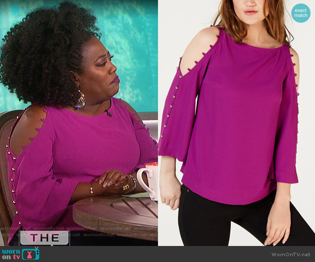 Button-Trim Cold-Shoulder Top by Trina Turk worn by Sheryl Underwood  on The Talk