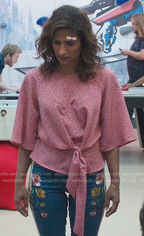 Emet's pink polka dot top and floral side-stripe jeans on I Feel Bad