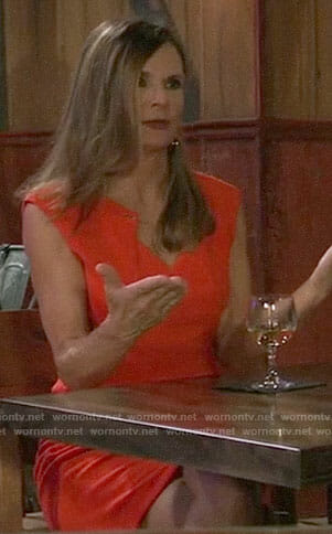 Lucy's red dress with chain keyhole on General Hospital