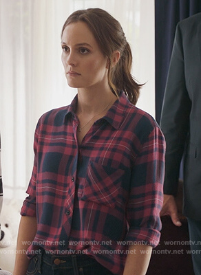 Angie's pink and blue plaid shirt on Single Parents
