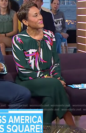 Robin's green printed blouse and cropped pants on Good Morning America