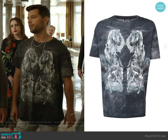 Horse Printed T-shirt by Balmain worn by Sam Flores (Rafael de la Fuente) on Dynasty