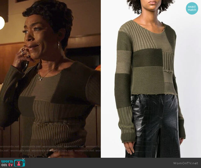 Grunge Jumper by Helmut Lang worn by Angela Bassett on 9-1-1
