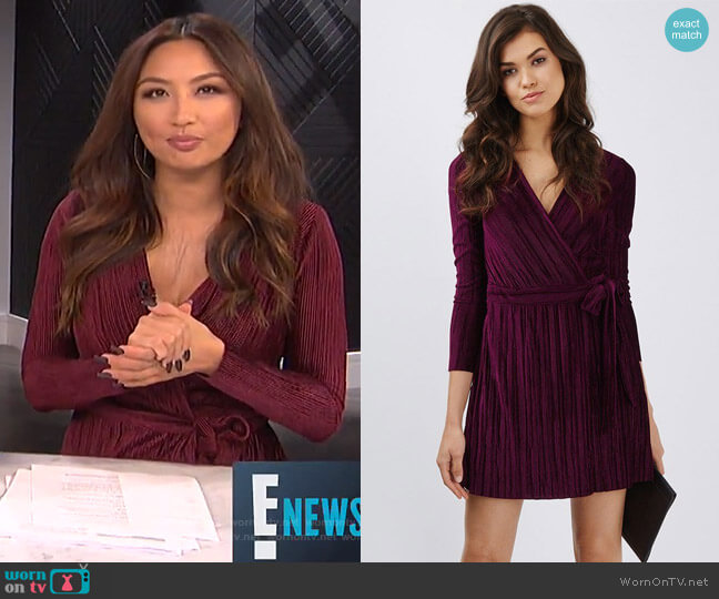 Pleated Velvet Wrap Dress by Topshop worn by Jeannie Mai (Jeannie Mai) on E! News