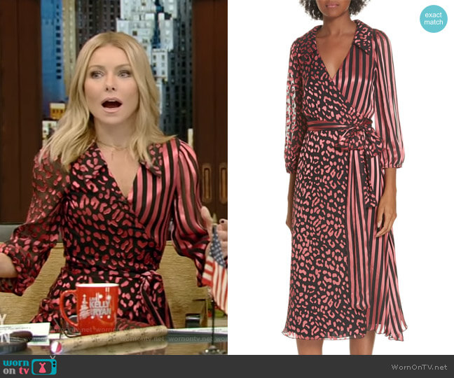 Abigail Dress by Alice + Olivia worn by Kelly Ripa on Live with Kelly & Ryan