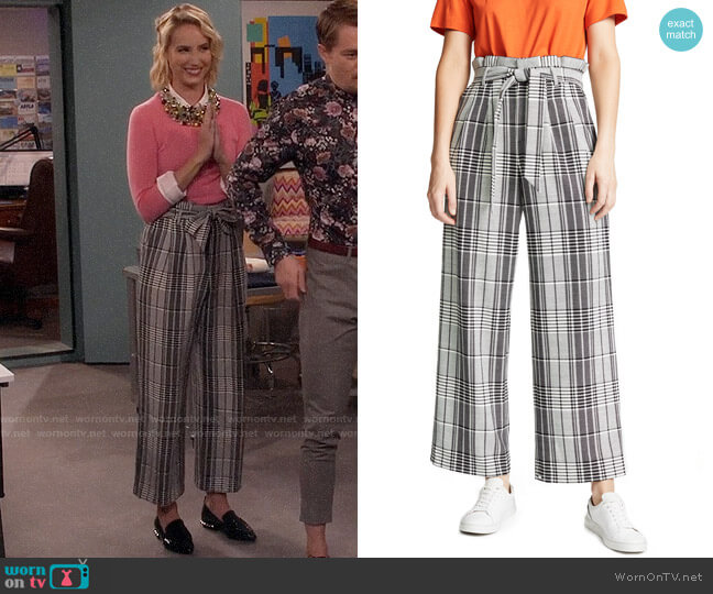 Alice + Olivia Farrel Pants worn by Molly McCook on Last Man Standing