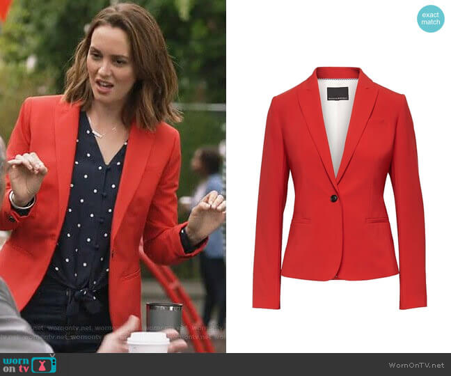 Banana Republic Classic-Fit Machine-Washable Italian Wool Blend Blazer in Hot Red worn by Angie (Leighton Meester) on Single Parents