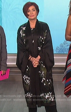 Sharon's black floral robe on The Talk