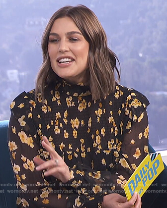 Carissa's smocked floral print blouse on E! News Daily Pop
