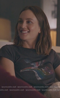 Angie's black unicorn print tee on Single Parents