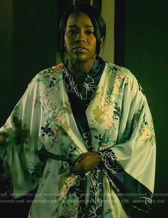 Michaela's floral print robe on How to Get Away with Murder