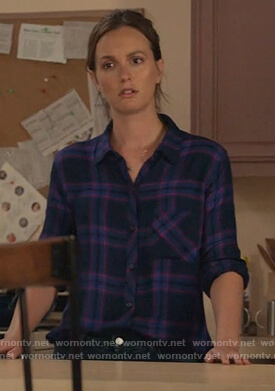Angie's blue and pink plaid shirt on Single Parents