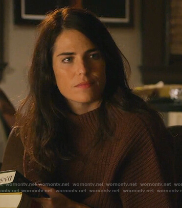 Laurel's brown knit short sleeve sweater on How to Get Away with Murder