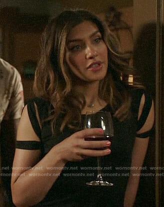 Dinah's black cutout sleeve tee on Arrow