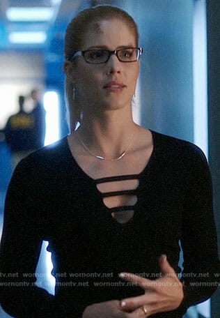 Felicity's black laddered front sweater on Arrow