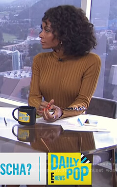Zuri's ribbed button cuff dress on E! News Daily Pop