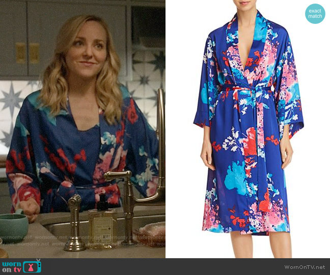 Natori Fiji Robe worn by Geneva Carr on Bull