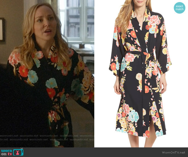 Natori Saipan Robe worn by Marissa Morgan (Geneva Carr) on Bull