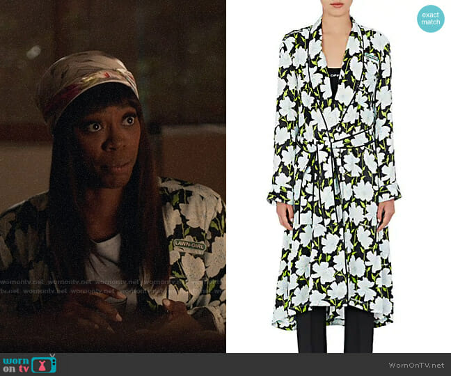 Off-White c/o Virgil Abloh Floral Satin Robe Coat worn by Molly Carter (Yvonne Orji) on Insecure