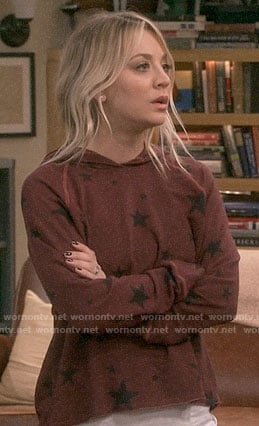 Penny's burgundy star print hoodie on The Big Bang Theory