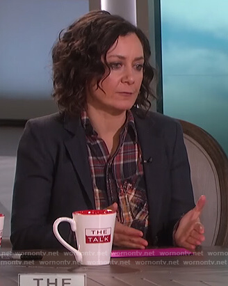 Sara's plaid distressed shirt on The Talk