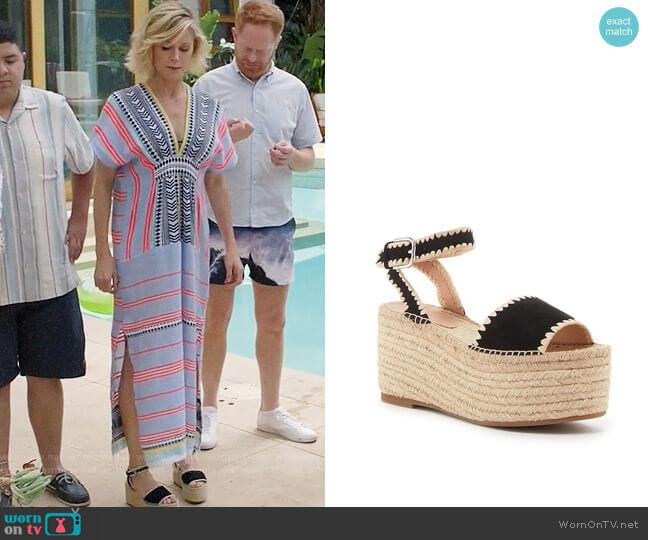 Pour La Victoire Ria Sandals worn by Claire Dunphy (Julie Bowen) on Modern Family