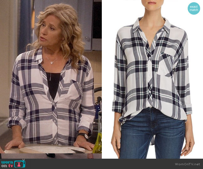 Rails Hunter Shirt in White / Navy / Forest worn by Vanessa Baxter (Nancy Travis) on Last Man Standing